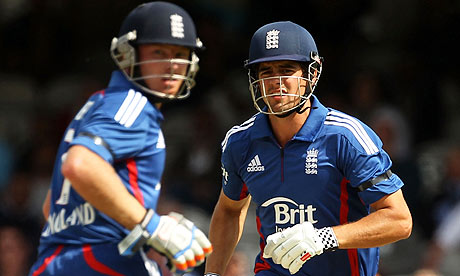 Alastair Cook and Ian Bell in action during the second ODI against West Indies